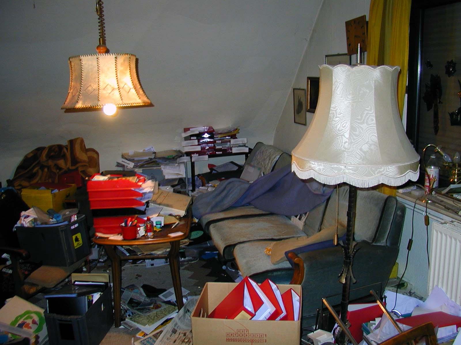 Auch in Messie-Wohnungen ist eine Desinfektion und Schädlingsbekämpfung oft nötig.